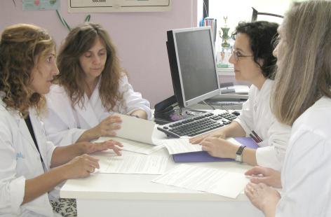 Enfermeras de Zaragoza inician un plan de llamadas para acompañar a enfermos con diabetes y trastorno depresivo