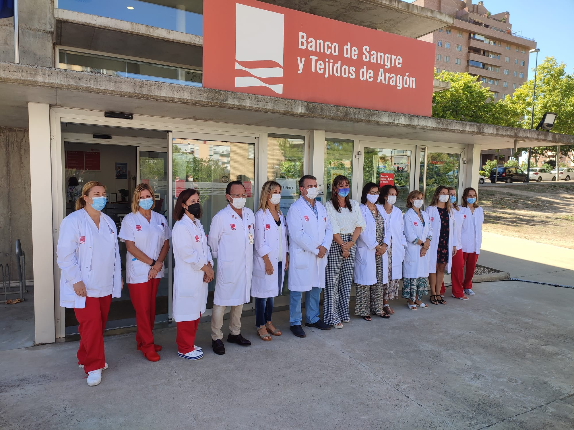 """""""Centralizar la sangre permite avanzar en asistencia e investigación"""". La consejera de Sanidad, Sira Repollés, visitó el Banco de Sangre con motivo de su 15 aniversario"""