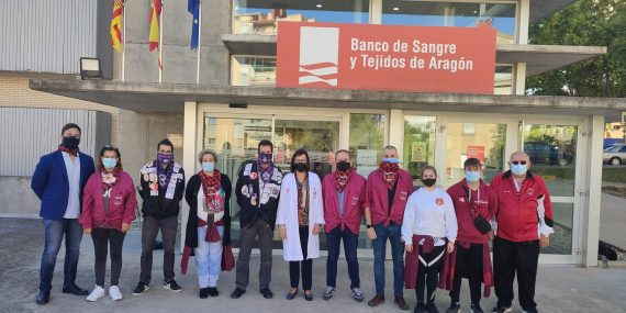Los peñistas de Zaragoza donan sangre en el Pilar 2021